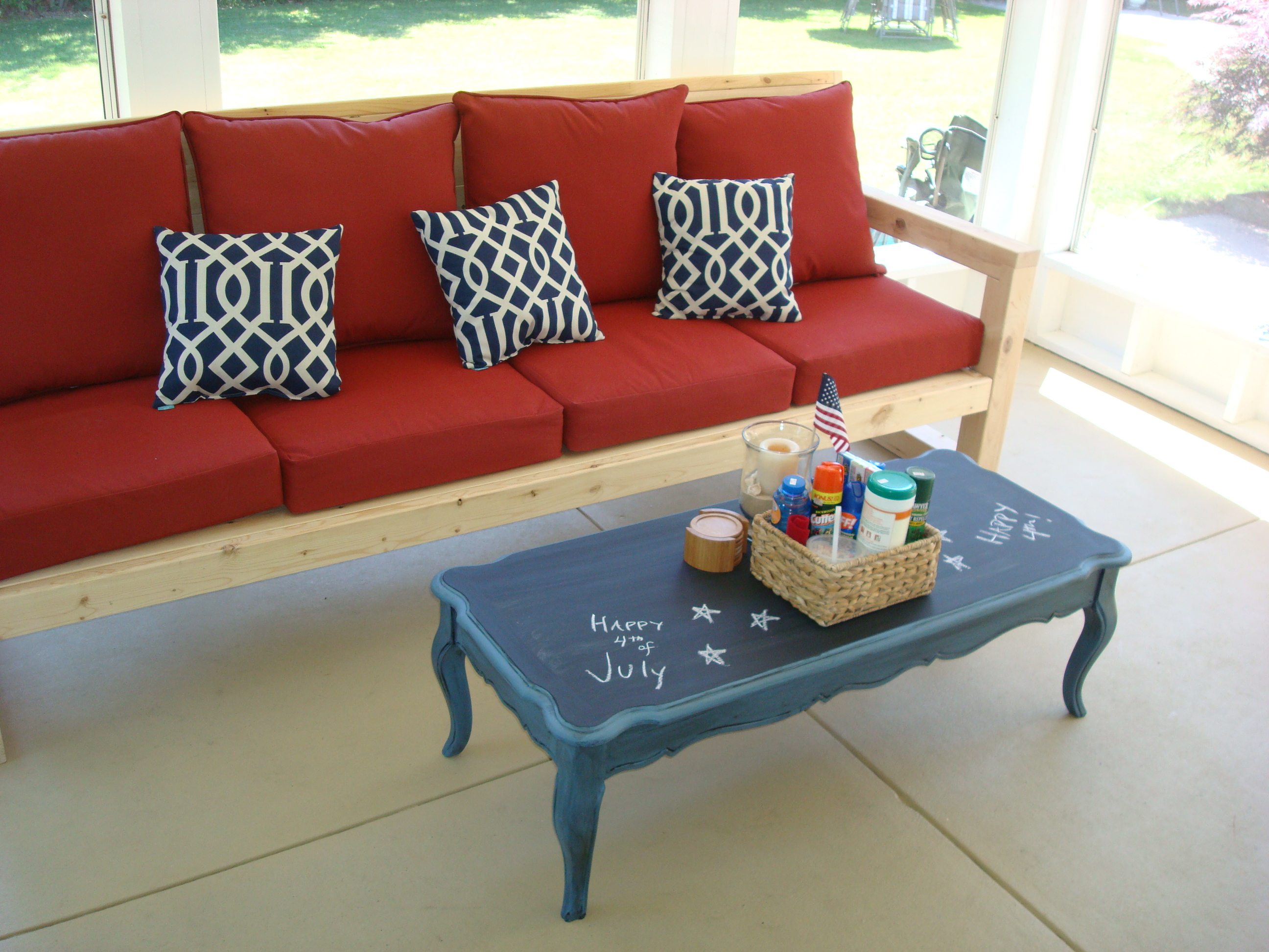 chalkboard coffee table. how to paint an old table with chalkboard